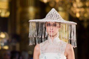 HEAVEN GAIA presented Chinese garments in the Palais Gariner Paris RTWSS2017
