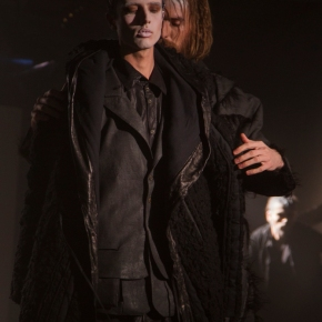 "Sandrine Philippe Artistic Performance ""Portrait de Famille"" Men's Collection FW 17/18 in Paris"